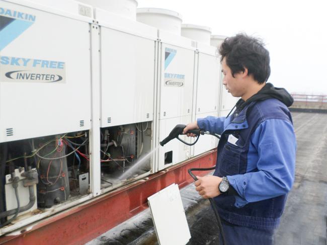 商用中央空调安装过程中如何固定室外机?惠驰告诉您